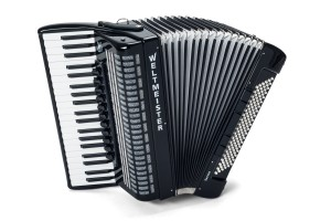 Weltmeister Saphir accordion